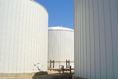 Large bulk storage tank insulation